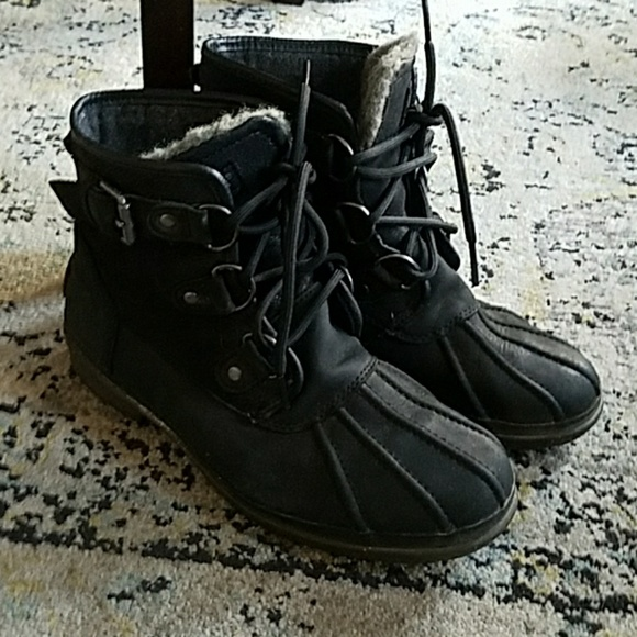 30b36fbe312 Ugg cecile duck boot